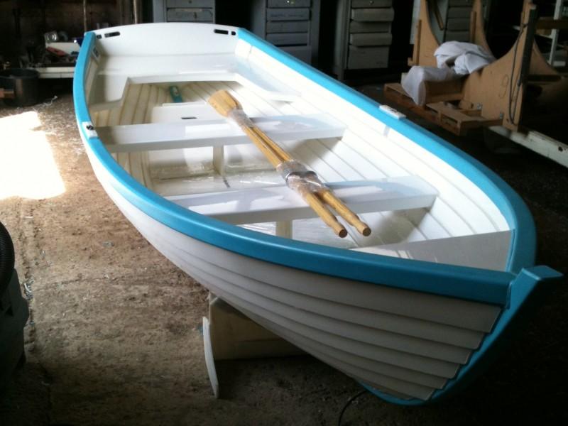 веселые прогулочные лодки