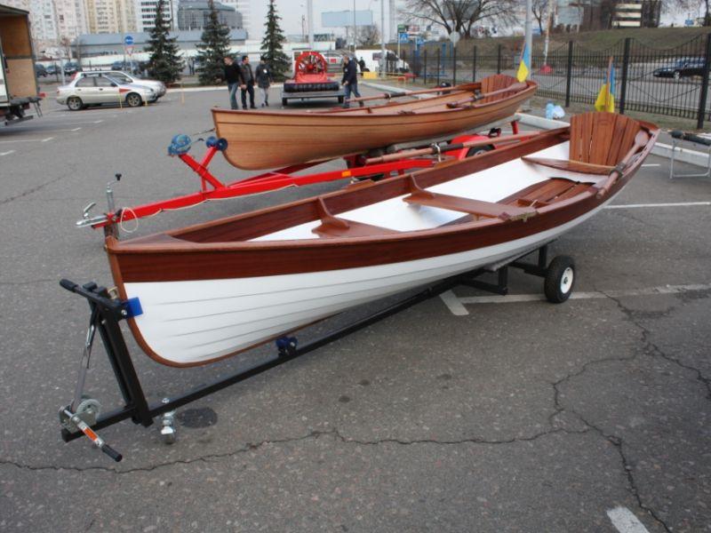 купить прогулочную лодку на веслах