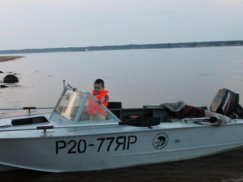 куплю лодку моторную в рыбинске