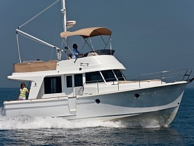 Моторная яхта с флайбриджем Beneteau Swift Trawler 34 Fly